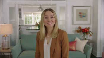 La-Z-Boy 36 Hour Sale TV Spot, 'Subtitles: 36 Percent' Featuring Kristen Bell - Thumbnail 8