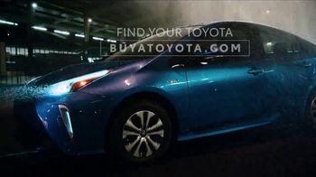 2019 Toyota Prius TV Spot, 'Dear Downpour' [T2] - Thumbnail 9
