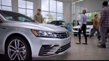 Volkswagen Sign Then Drive Event TV Spot, 'Coffee' [T2] - Thumbnail 4