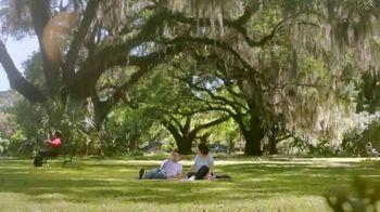 Popeyes Hot Honey Crunch Tenders TV Spot, 'Picnic' - 2309 commercial airings