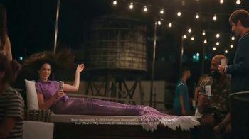 BON & VIV Spiked Seltzer TV Spot, 'By Any Ocean' - Thumbnail 8