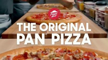 Pizza Hut Original Pan Pizza TV Spot, \'Bigger\'