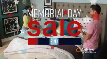 Ashley HomeStore Memorial Day Sale TV Spot, 'Extended: Bed and Sofa' Song by Midnight Riot - Thumbnail 2