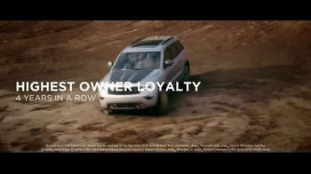 Jeep Memorial Day Sales Event TV Spot, 'Legend of the Grand Cherokee' Song by The Kills [T2] - Thumbnail 4