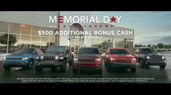 Jeep Memorial Day Sales Event TV Spot, 'Legend of the Grand Cherokee' Song by The Kills [T2] - Thumbnail 7
