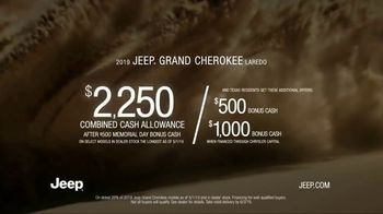 Jeep Memorial Day Sales Event TV Spot, 'Legend of the Grand Cherokee' Song by The Kills [T2] - Thumbnail 8