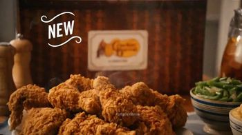 Cracker Barrel Southern Fried Chicken TV Spot, 'Homestyle Favorites: Over 50 Years' - Thumbnail 8