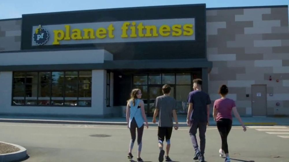 Planet Fitness Teen Summer Challenge TV Commercial, 'Teens Work Out Free'