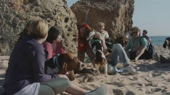 Facebook Groups TV Spot, 'More Together: Found by the Hounds' Song by Patsy Cline - Thumbnail 9