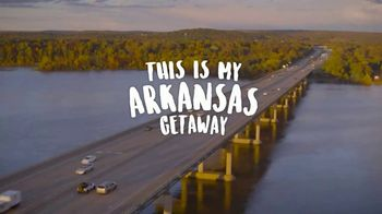 Arkansas Department of Parks & Tourism TV Spot, 'Getaway: Fall Trip' - Thumbnail 1