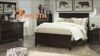 Ashley HomeStore Customer Appreciation Event TV Spot, 'Queen Bed and Furniture Giveaway' - Thumbnail 4