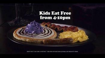 IHOP The Addams Family Menu TV Spot, 'Addams Family Outing' - Thumbnail 4