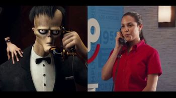 IHOP The Addams Family Menu TV Spot, 'Llamada telefónica' [Spanish]