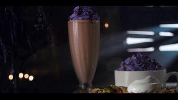 IHOP The Addams Family Menu TV Spot, 'Llamada telefónica' [Spanish] - Thumbnail 5