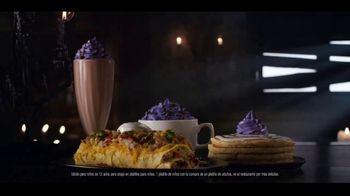 IHOP The Addams Family Menu TV Spot, 'Llamada telefónica' [Spanish] - Thumbnail 6