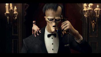 IHOP The Addams Family Menu TV Spot, 'Llamada telefónica' [Spanish] - Thumbnail 9