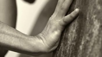 Giorgio Armani Acqua Di Giò Absolu Instinct TV Spot, 'Sensuality: The New Exclusive Addition' - Thumbnail 4