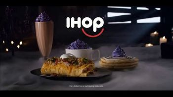 IHOP The Addams Family Menu TV Spot, 'Lurch's Order' - Thumbnail 9