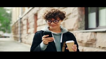 U.S. Cellular TV Spot, 'New Unlimited Data Plans' Song by Macklemore & Ryan Lewis - Thumbnail 5