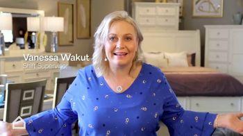 Ashley HomeStore Employee Discount Days TV Spot, 'Amazing' - Thumbnail 4