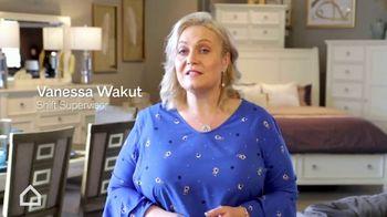 Ashley HomeStore Employee Discount Days TV Spot, 'Amazing' - Thumbnail 7