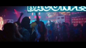 Wendy's Baconfest TV Spot, 'Party: Free Junior Bacon Cheeseburger' - Thumbnail 2