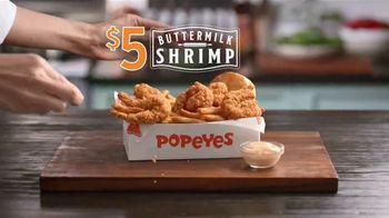Popeyes $5 Buttermilk Shrimp TV Spot, 'Tan grande que no te atreverías a llamarlos camarones' [Spanish] - Thumbnail 2
