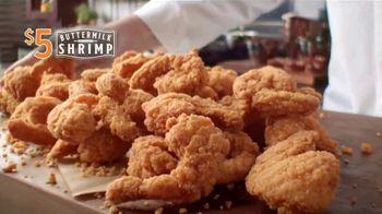 Popeyes $5 Buttermilk Shrimp TV Spot, 'Tan grande que no te atreverías a llamarlos camarones' [Spanish] - Thumbnail 4