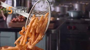 Popeyes $5 Buttermilk Shrimp TV Spot, 'Tan grande que no te atreverías a llamarlos camarones' [Spanish] - Thumbnail 5