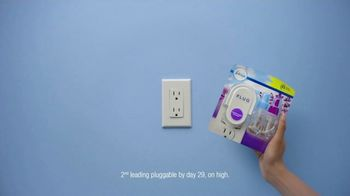 Febreze PLUG TV Spot, 'Fresh Beginning' - Thumbnail 5