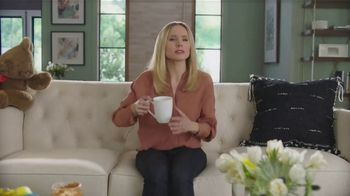 La-Z-Boy Anniversary Sale TV Spot, 'Keeping It Real: No Interest' Featuring Kristen Bell - Thumbnail 8