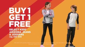 JCPenney Super Saturday Sale TV Spot, 'BOGO: Jeans & Towels' - Thumbnail 4
