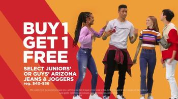JCPenney Super Saturday Sale TV Spot, 'BOGO: Jeans & Towels' - Thumbnail 6