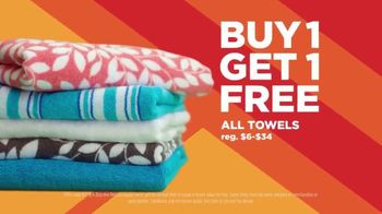 JCPenney Super Saturday Sale TV Spot, 'BOGO: Jeans & Towels' - Thumbnail 8