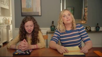 XFINITY Internet TV Spot, 'Online Time: Download Speeds' Featuring Amy Poehler - Thumbnail 3