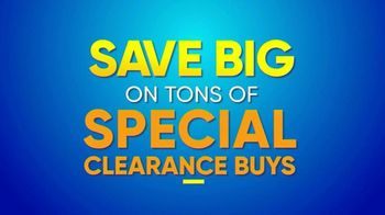 Rooms to Go Summer Sale and Clearance TV Spot, 'The Last Weekend' - Thumbnail 5