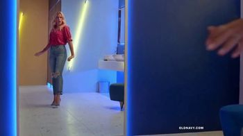 Old Navy TV Spot, 'Reunion: Jeans' Featuring Busy Philipps - Thumbnail 2