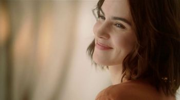 Glade Cashmere Woods TV Spot, 'Florecer' [Spanish] - Thumbnail 5