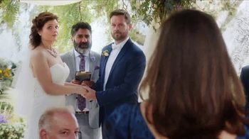Capital One Venture Card TV Spot, 'Wedding' Featuring Jennifer Garner - Thumbnail 3