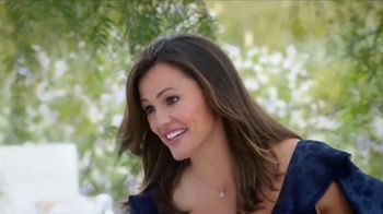 Capital One Venture Card TV Spot, 'Wedding' Featuring Jennifer Garner - Thumbnail 5