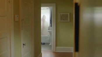 Coors Light TV Spot, 'The Official Beer of Drinking in the Shower' Song by Gipsy Kings - Thumbnail 4