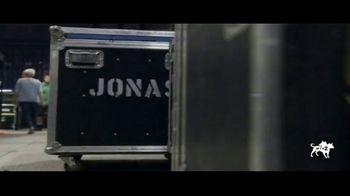 2020 Toyota Corolla TV Spot, '2019 MTV Video Music Awards: Stone Pony' Featuring The Jonas Brothers [T1] - Thumbnail 9