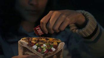 Taco Bell Triple Double Crunchwrap Box TV Spot, 'Lluvia de meteoritos' [Spanish] - Thumbnail 3