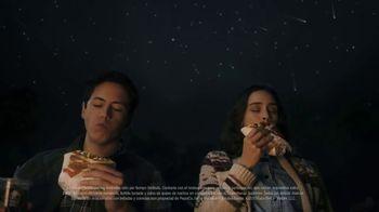 Taco Bell Triple Double Crunchwrap Box TV Spot, 'Lluvia de meteoritos' [Spanish] - Thumbnail 5