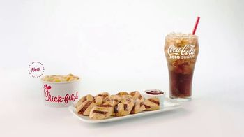 Chick-fil-A TV Spot, 'The Little Things: Grilled Nuggets & Mac & Cheese' - Thumbnail 6