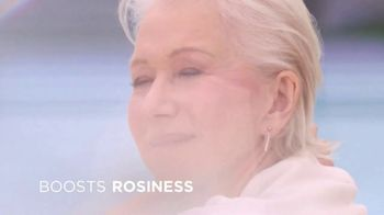 L'Oreal Paris Age Perfect Rosy Tone Moisturizer TV Spot, 'As Rosy as You Are' Feat. Helen Mirren - Thumbnail 6