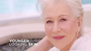 L'Oreal Paris Age Perfect Rosy Tone Moisturizer TV Spot, 'As Rosy as You Are' Feat. Helen Mirren - Thumbnail 8