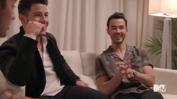 2020 Toyota Corolla TV Spot, '2019 VMAs: New Jersey Playlist' Featuring The Jonas Brothers [T1] - Thumbnail 10