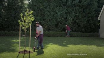 Lowe's Labor Day Savings TV Spot, 'Show Your Yard Who's Boss: Craftsman Gas Blower' - Thumbnail 6