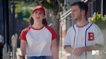 GEICO TV Spot, 'MTV: Welcome to Bass-ton' Featuring Lance Bass - Thumbnail 5